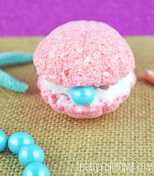 Mermaid Shell Bath Bomb Recipe and Tutorial - DIY Bath Bombs - Cool Gifts for Her, Mom, Sister, Best Friend - Spa Day Ideas to Make DYI Recipes