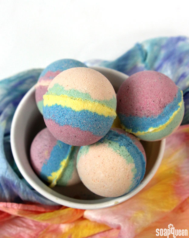 DYI Bath Bombs - DIY Tie Dye Bath Bomb Recipe - Creative and Fun Bath Bombs to Make at Home - Cool Teen and Adult Crafts - Cheap DIY Gift Ideas - DIY Lush Recipes - Natural, Fizzy Bath Bomb Recipe #diychristmasgifts #bathbombtutorials