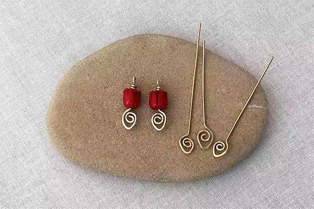 Crafts To Make and Sell For Teens - DIY Wire Hairpin Tutorial - How to Make Wire Hairpins - Easy Craft Project Ideas To Make for Selling On Etsy and Online - Cool Ideas and DIY Ideas You Can Sell On Etsy - Fun and Cheap Do It Yourself Projects for Teenagers to Make Extra Money This Summer #teencrafts #craftstomakeandsell #diyideas