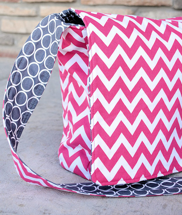 Crafts To Make and Sell For Teens - Easy DIY Messenger Bag Tutorial - Cute DIY Messenger Bag - Easy Craft Project Ideas To Make for Selling On Etsy and Online - Cool Ideas and DIY Ideas You Can Sell On Etsy - Fun and Cheap Do It Yourself Projects for Teenagers to Make Extra Money This Summer #teencrafts #craftstomakeandsell #diyideas