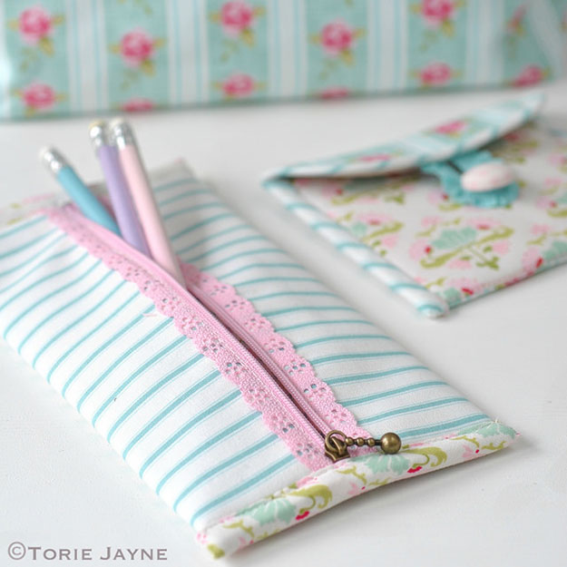 Crafts To Make and Sell For Teens - DIY Lace Zip Pencil Case Tutorial - Cute DIY Easy Pencil Case - Easy Craft Project Ideas To Make for Selling On Etsy and Online - Cool Ideas and DIY Ideas You Can Sell On Etsy - Fun and Cheap Do It Yourself Projects for Teenagers to Make Extra Money This Summer #teencrafts #craftstomakeandsell #diyideas
