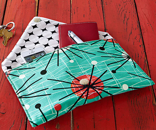 Crafts To Make and Sell For Teens - DIY Envelope Clutch Tutorial - How to Make an Envelope Clutch - Easy Craft Project Ideas To Make for Selling On Etsy and Online - Cool Ideas and DIY Ideas You Can Sell On Etsy - Fun and Cheap Do It Yourself Projects for Teenagers to Make Extra Money This Summer #teencrafts #craftstomakeandsell #diyideas