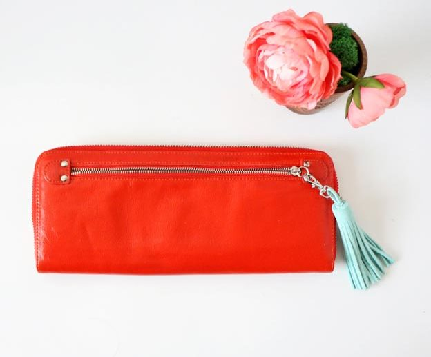 DIY Leather Crafts - DIY Leather Keychain - Crossbody Bag, Wallet, Earrings and Jewelry Making, Projects from Scrap and Faux Leathers - Tutorials for Beginners and for Kids - Western Wear and Fashion, tips for Tools and Free Patterns - Cheap Clothing for Teens to Make - #teencrafts #leathercrafts #diyideas