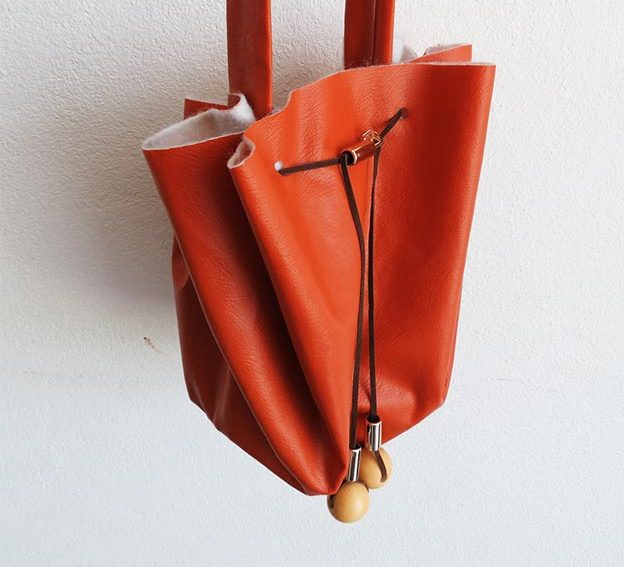 DIY Leather Crafts - How to Make a No Sew Bag - Crossbody Bag, Wallet, Earrings and Jewelry Making, Projects from Scrap and Faux Leathers - Tutorials for Beginners and for Kids - Western Wear and Fashion, tips for Tools and Free Patterns - Cheap Clothing for Teens to Make - #teencrafts #leathercrafts #diyideas
