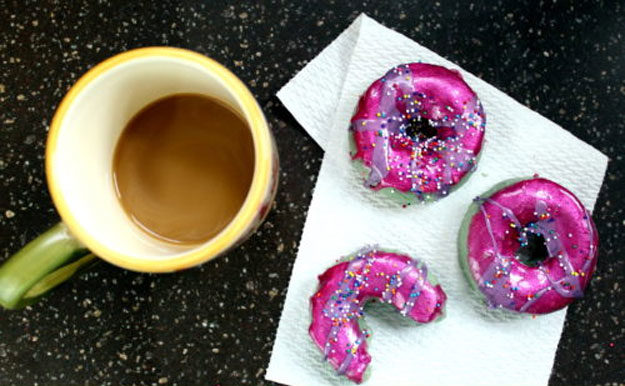 Lush Copycat Recipes - DIY Apple Donut Soap Recipe - DIY Lush Inspired Copycats and Dupes - How to Make Do It Yourself Lush Products like Homemade Bath Bombs, Face Masks, Lip Scrub, Bubble Bars, Dry Shampoo and Hair Conditioner, Shower Jelly, Lotion, Soap, Toner and Moisturizer. Tutorials Inspired by Ocean Salt, Buffy, Dark Angels, Rub Rub Rub, Big, Dream Cream and More - Teens and Teenager Crafts #teencrafts #lush #diyideas