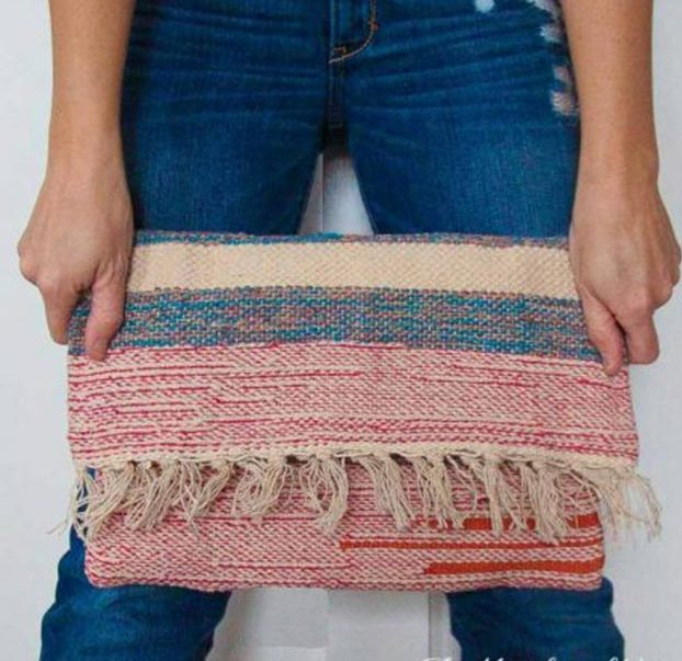 DIY Boho Fashion Ideas - How to Make A Carpet Bag - How to Make a Boho Bag - How to Make Your Own Boho Clothes, Sandals, Jewelry At Home - Boho Fashion Style - Cute and Easy DIY Boho Clothing, Clothes, Fashion - Homemade Bohemian Clothing #teencrafts #diyideas #diybohofashion #diybohoclothes