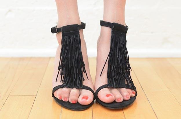 DIY Boho Fashion Ideas - DIY Fringe Heels Tutorial - How to Make Boho Heels - How to Make Your Own Boho Clothes, Sandals, Bag, Jewelry At Home - Boho Fashion Style - Cute and Easy DIY Boho Clothing, Clothes, Fashion - Homemade Bohemian Clothing #teencrafts #diyideas #diybohofashion #diybohoclothes