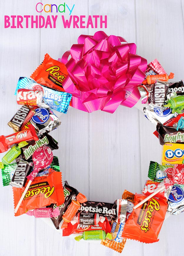 Cheap DIY Gifts to Make For Friends | Homemade Candy Wreath | BFF Gift Ideas for Birthday, Christmas | Cool Crafts For Teens and Girls
