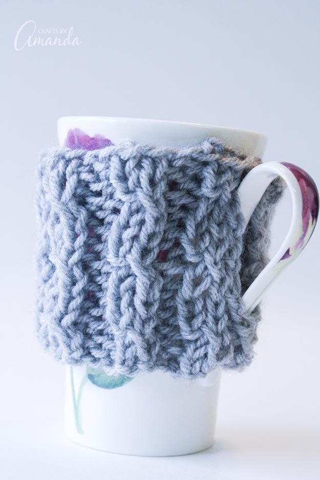 Cheap DIY Gifts to Make For Friends - How to Knit A Coffee Cozy - BFF Gift Ideas for Birthday, Christmas - Last Minute Gifts for Friends - Cool Crafts For Teens and Girls #teencrafts #diyideas #giftideas