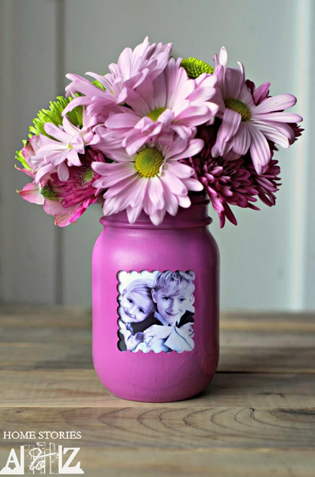 Cheap DIY Gifts to Make For Friends - DIY Mason Jar Picture Frame Vase Tutorial - BFF Gift Ideas for Birthday, Christmas - Last Minute Gifts for Friends - Cool Crafts For Teens and Girls #teencrafts #diyideas #giftideas