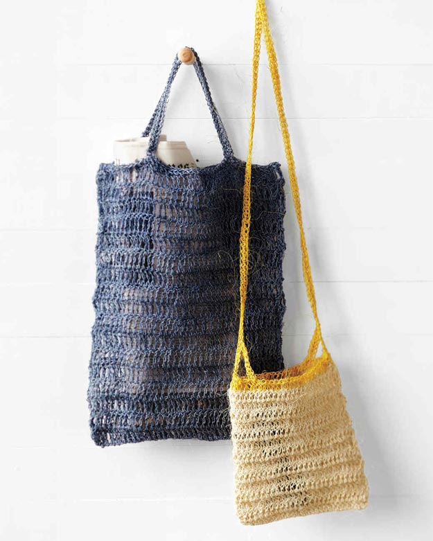 DIY Ideas for Summer - DIY Crocheted Beach Bags Tutorial - How to Crochet a Beach Bag - Cute Summery Crafts to Make and Sell - DIY Summer Crafts, Projects, Decor for Kids, Tweens, Teens, Adults, Seniors - Ideas to Make for Lake, Pool, Outdoors - Creative Things to Make for Summertime - Teen Crafts and DIY Projects #teencrafts #diyideas #craftideasforsummer