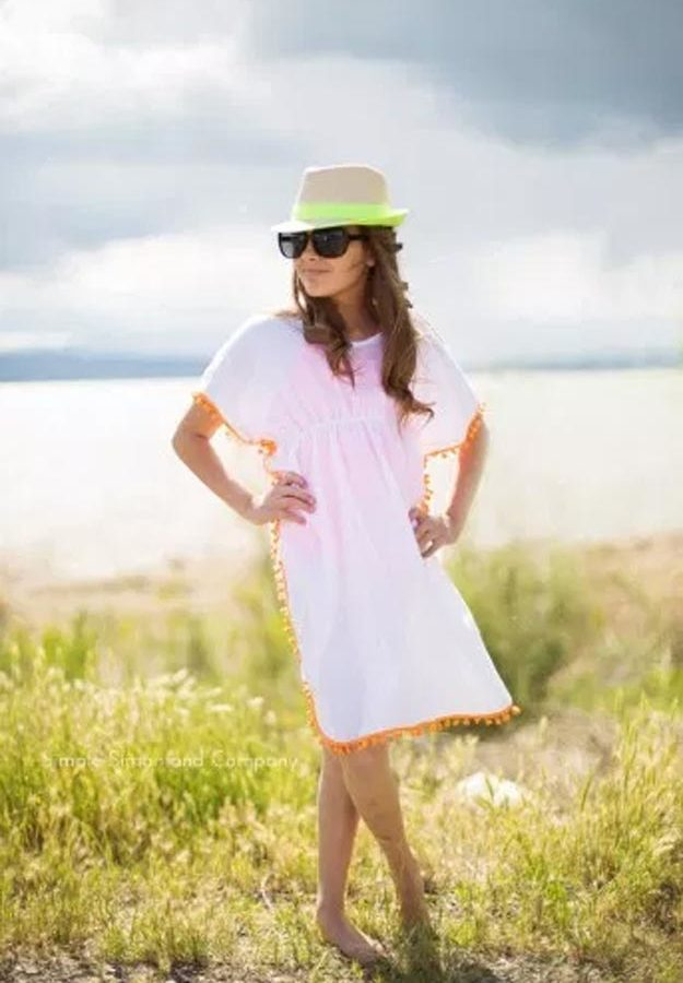 DIY Ideas for Summer - DIY Quick Cover Up Tutorial - How to Make A Quick Cover Up - Cute Summery Crafts to Make and Sell - DIY Summer Crafts, Projects, Decor for Kids, Tweens, Teens, Adults, Seniors - Ideas to Make for Lake, Pool, Outdoors - Creative Things to Make for Summertime - Teen Crafts and DIY Projects #teencrafts #diyideas #craftideasforsummer