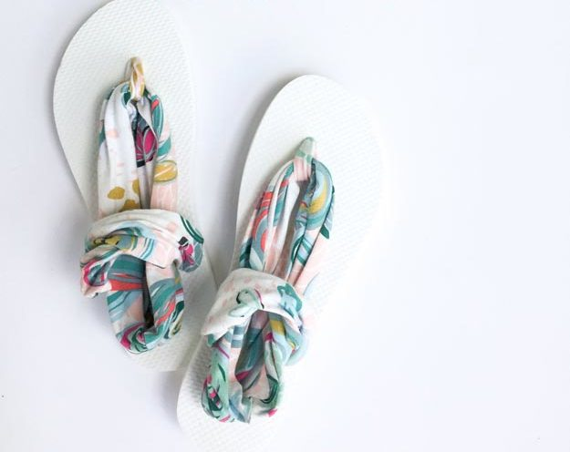 DIY Ideas for Summer - DIY Sling Back Flip Flop Tutorial - How to Make Flip Flops - Cute Summery Crafts to Make and Sell - DIY Summer Crafts, Projects, Decor for Kids, Tweens, Teens, Adults, Seniors - Ideas to Make for Lake, Pool, Outdoors - Creative Things to Make for Summertime - Teen Crafts and DIY Projects #teencrafts #diyideas #craftideasforsummer