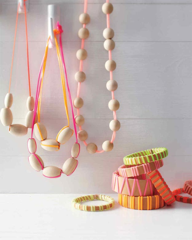 DIY Ideas for Summer - DIY Wood Lanyard Necklace Tutorial - How to Make Wood Necklaces - Cute Summery Crafts to Make and Sell - DIY Summer Crafts, Projects, Decor for Kids, Tweens, Teens, Adults, Seniors - Ideas to Make for Lake, Pool, Outdoors - Creative Things to Make for Summertime - Teen Crafts and DIY Projects #teencrafts #diyideas #craftideasforsummer