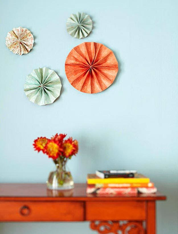 Cool Wall Art Ideas for Teens - DIY Pinwheel Tutorial - How to Make Pinwheels - Cheap and Easy DIY Canvas Projects, Paintings and Arts and Crafts for Bedroom Walls - Inexpensive, Quick Project Tutorials for String Art, Crayon, Yarn, Paint Chip, Boho, Simple and Modern Decor for Teens, Teenagers and Tweens - Colorful and Creative Paint, Glue and Mod Podge Craft Idea #teencrafts #diyideas #roomdecor