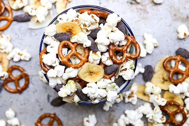 Easy Snacks and Recipes - Tropical Popcorn Snack Mix Recipe - Quick Recipe Ideas and Simple Food to Make In Minutes - Microwave, 3 Ingredients and No Bake Snack Tutorials - Healthy Ways for Snacking After School - Desserts, Sweet, Salty and Crunchy Ideas to Satisfy Your Cravings - Cheese, Vegetable, Mexican Food - Fun Ideas for Teens To Make At Home #teencrafts #diyideas #snackideas