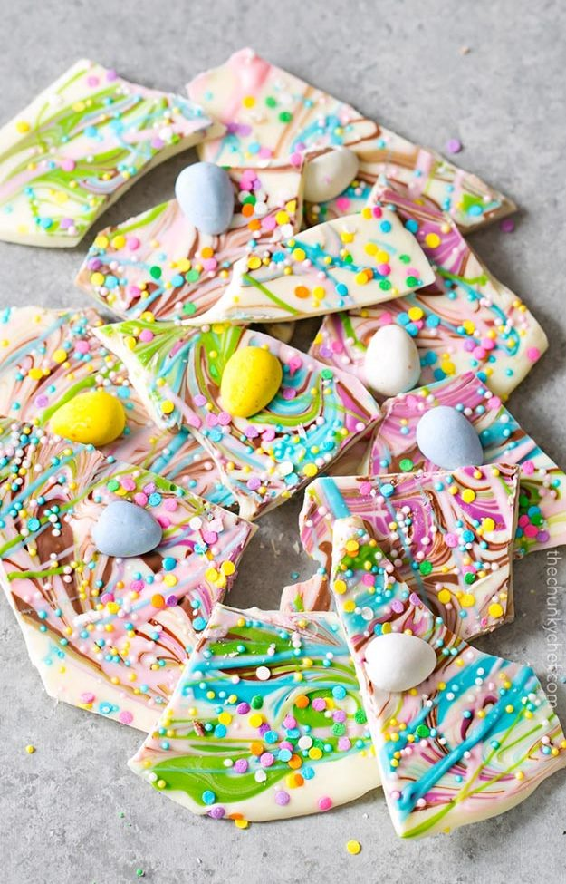 Cool and Easy Dessert Recipes For Teens to Make at Home - How to Make Brownie Batter Swirled Bark - Fun Desserts to Make With Chocolate, Fruit, Whipped Cream, Low Sugar, and Banana - Cake, Cookies, Pie, Ice Cream Shakes and Pops Made With Healthy Ingredients and Food You Love - Quick Recipe Ideas for No Bake and 5 Minute Dessert At Home #teencrafts #easyrecipes #dessertideas