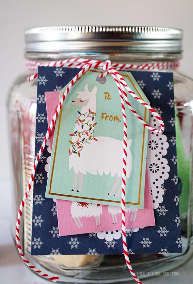 Gifts in A Jar Ideas, Recipes - DIY Cute Cookie Gift Jar - Inexpensive Gifts You Can Make For Friends and Neighbors - Gift Jars for Christmas, Teachers - Cute Gift Ideas in Mason Jars - What to Put in Jar as A Gift - Cheap and Easy Gifts