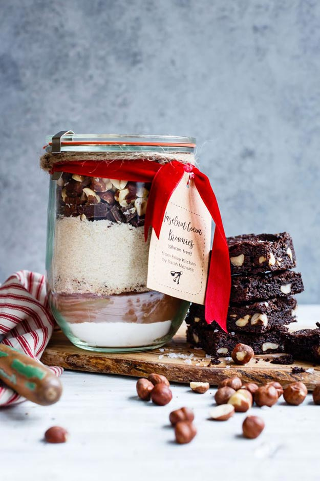 Jar Gift Ideas - How to Make Brownie Mix in A Jar - Food, Cookie, Birthday Gifts in A Jar Ideas - Easy and Quick Last Minute Gift Ideas for Hostess - Simple Gift ideas to Make for A Teenager - Gifts in A Jar Recipes - Easy Teen Crafts - Mason Jar Gifts For Friends