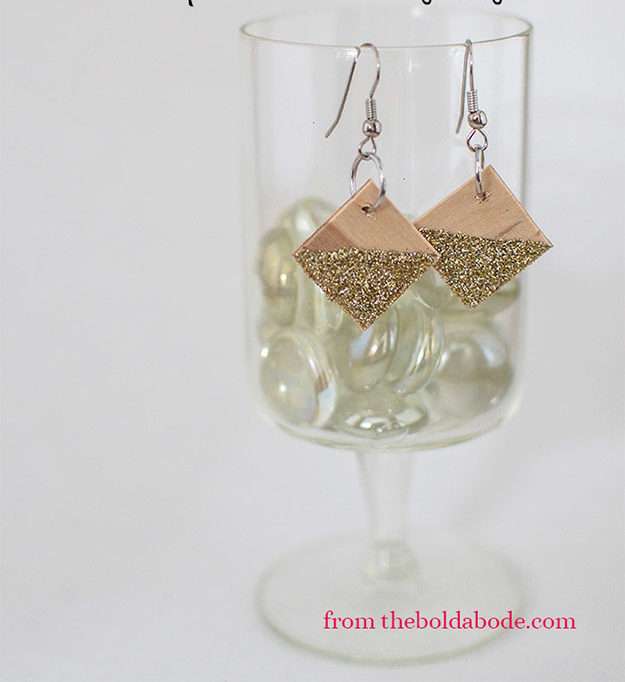 Popsicle Sticks DIY Crafts - DIY Popsicle Stick Earrings Tutorial - How to Make Popsicle Stick Earrings, Earrings From Popsicle Sticks - Craft Ideas With Popsicle Sticks for Adults - Handmade Craft Ideas to Sell with Instructions and Tutorials - Easy Teen Crafts - DIY Projects for Kids, Teenagers, Adults #craftsforadults #diyprojectstomakeandsell #quickcraftideas #easydiycrafts