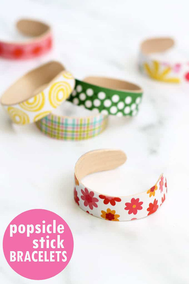 Popsicle Sticks DIY Crafts - DIY Popsicle Stick Bracelets Tutorial - How to Make Bracelets From Popsicle Sticks - Craft Ideas With Popsicle Sticks for Adults - Handmade Craft Ideas to Sell with Instructions and Tutorials - Easy Teen Crafts - DIY Projects for Kids, Teenagers, Adults #craftsforadults #diyprojectstomakeandsell #quickcraftideas #easydiycrafts