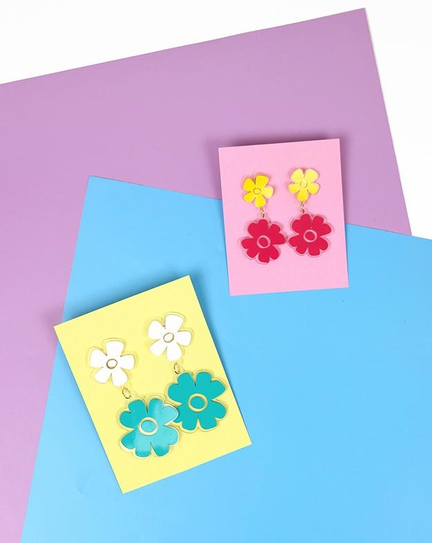 DIY Jewelry Ideas - DIY Shrink Plastic Flower Earrings Tutorial - How to Make Flower Earrings - How to Make Your Own Jewelry - Jewelry Making Ideas for Beginners - Handmade Craft Ideas to Sell with Step by Step Instructions - Easy Teen Crafts #teencrafts #diyideas #diyjewelry