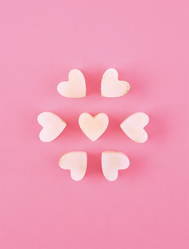 Cheap Crafts - DIY Hot Glue Glitter Heart Tutorial - Hot Glue Projects - Inexpensive Craft Project Ideas for Teenagers, Teens and Adults - Easy DIY Ideas To Make On A Budget - Cool Dollar Store Crafts and Things You Can Make For Free - Homemade Wall Art and Room Decor, Gifts and Presents, Tutorials and Step by Step Instructions #teencrafts #cheapcrafts #diyideas
