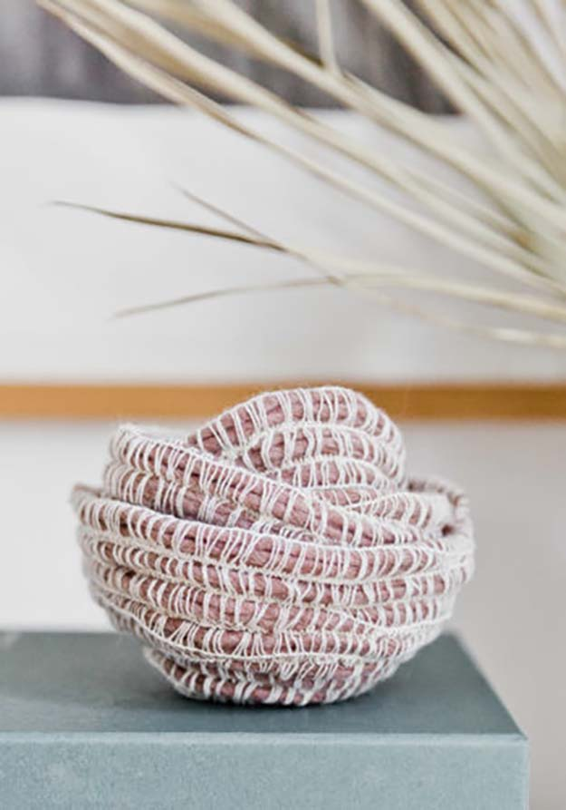 Cheap Crafts - DIY 10-Minute Yarn Bowl Tutorial - How to Make a Yarn Bowl - Inexpensive Craft Project Ideas for Teenagers, Teens and Adults - Easy DIY Ideas To Make On A Budget - Cool Dollar Store Crafts and Things You Can Make For Free - Homemade Wall Art and Room Decor, Gifts and Presents, Tutorials and Step by Step Instructions #teencrafts #cheapcrafts #diyideas