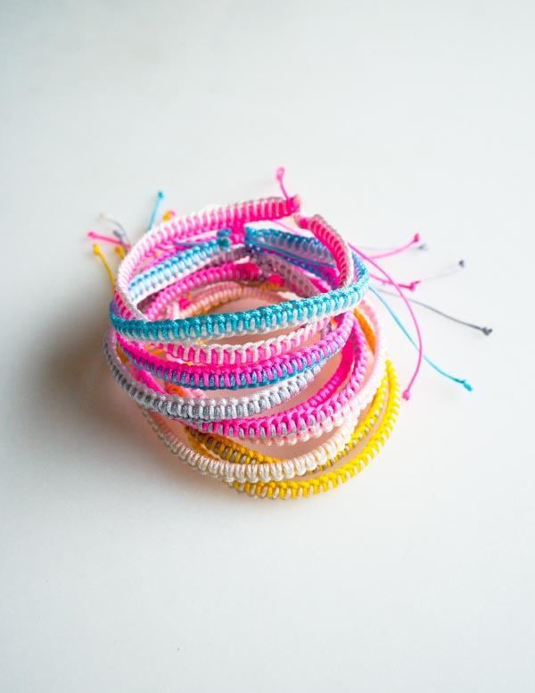 DIY Ideas for Summer - DIY Friendship Bracelet Tutorial - How to Make Friendship Bracelets - Cute Summery Crafts to Make and Sell - DIY Summer Crafts, Projects, Decor for Kids, Tweens, Teens, Adults, Seniors - Ideas to Make for Lake, Pool, Outdoors - Creative Things to Make for Summertime - Teen Crafts and DIY Projects #teencrafts #diyideas #craftideasforsummer