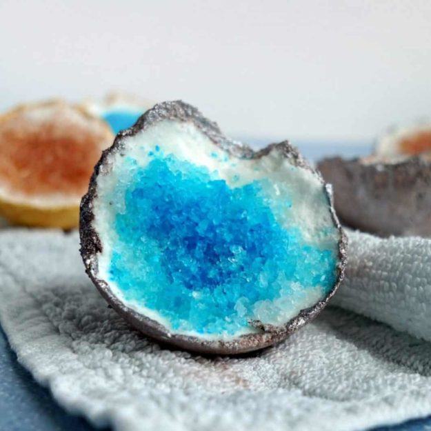 Easy DIY Bath Bomb Recipes - Homemade Bath Bombs - How to Make Geode Bath Bombs - Cool Bath Bomb Recipe Ideas - How to Make Bath Fizzies - How to Make a Bath Bomb at Home #lush #crafts #bathbomb
