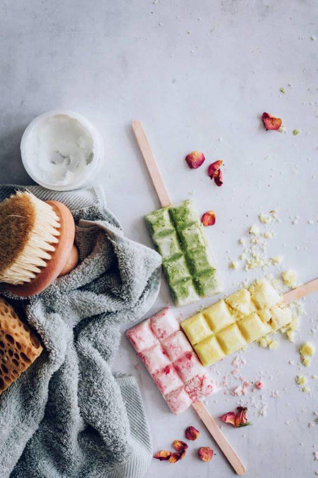 DIY Bath Bombs - DIY Popsicle Bath Bomb Tutorial - Easy Bath Bomb Recipes - Cool Teen and Adult Crafts - Spa Day Ideas - Lush DIY Copycat Dupes - Crafts for Kids, Teens, and Adults #teencrafts #diyideas #diybathbombs