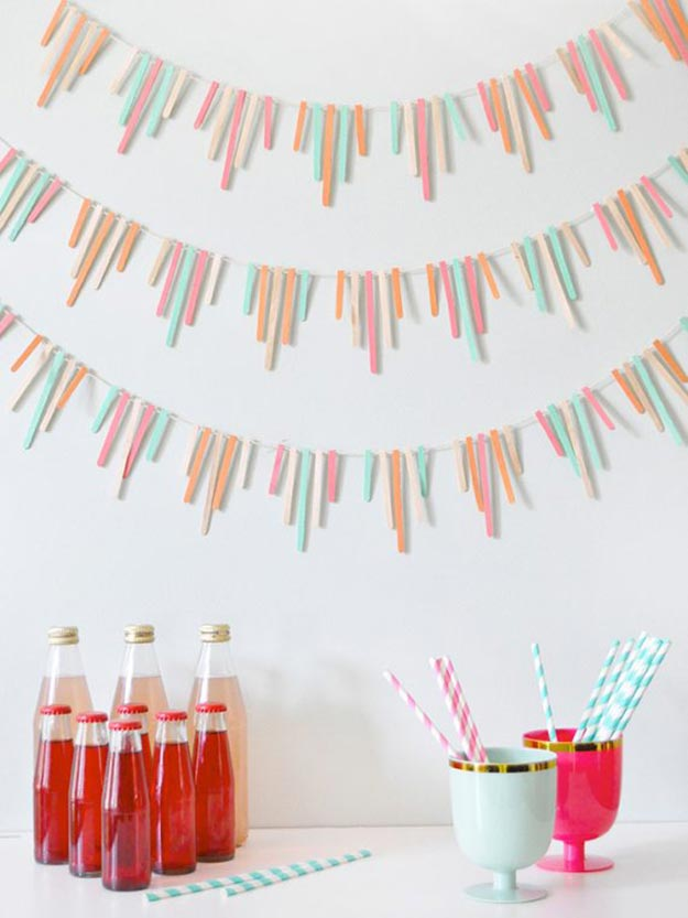 Popsicle Stick Crafts for Adults Step by Step - How to Make A Popsicle Stick Garland - DIY Popsicle Stick Garland Tutorial - Popsicle Stick Crafts for Kids, Adults, Teens, Kindergarteners - Cool, Useful Popsicle Stick Crafts - Cheap DIY Craft Ideas to Make and Sell - Dollar Store Craft Ideas - DIY Projects for Teens #teencraftideas #cheapcraftideas #diy