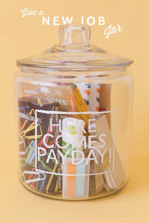 Jar Gift Ideas - DIY New Job Gift - Food, Cookie, Birthday Gifts in A Jar Ideas - Easy and Quick Last Minute Gift Ideas for Hostess - Simple Gift ideas to Make for A Teenager - Gifts in A Jar Recipes - Easy Teen Crafts - Mason Jar Gifts For Friends