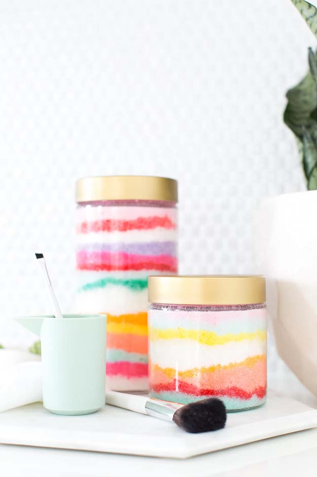 Jar Gift Ideas - How to Make Sugar Scrub - Food, Cookie, Birthday Gifts in A Jar Ideas - Easy and Quick Last Minute Gift Ideas for Hostess - Simple Gift ideas to Make for A Teenager - Gifts in A Jar Recipes - Easy Teen Crafts - Mason Jar Gifts For Friends